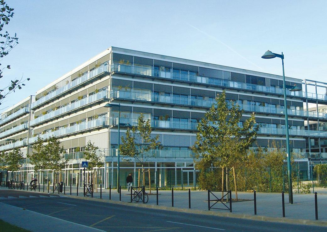 Campus_PUSG_vue_de_la_facade_Grande.jpg